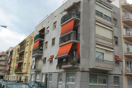 Cheap residential for sale in Vilanova i la Geltrú. Apartment – Vilanova i la Geltrú, Catalonia, Spain