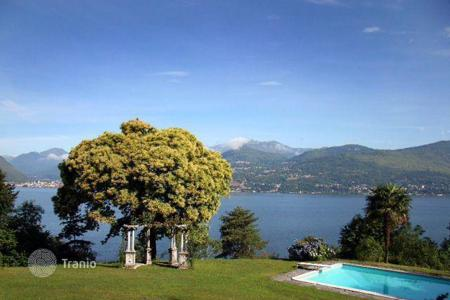 Coastal residential for sale in Lombardy. Villa – Lombardy, Italy