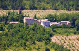 Property for sale in Marche. Unique investment opportunity — the ancient hamlet for sale