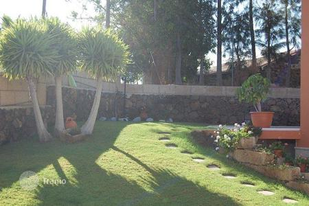 6 bedroom houses for sale in Canary Islands. Villa – Buzanada, Canary Islands, Spain