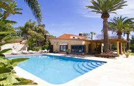 Houses with pools for sale in Canary Islands. Villa – Aldea Blanca, Canary Islands, Spain
