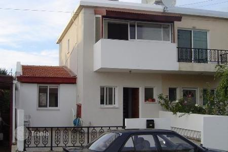 Coastal townhouses for sale in Paphos. 2 Bedroom Townhouse, Fantastic Sea Views Full Title Deeds — Mouttalos