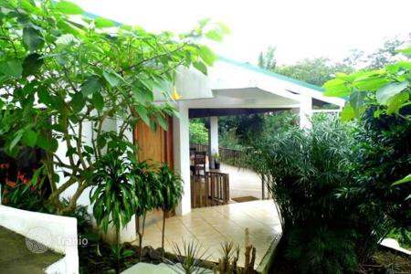 Property for sale in Alajuela. A gorgeous modern home in a quiet neighborhood just minutes from Palmares, Costa Rica