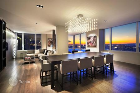 Luxury 5 bedroom apartments for sale overseas. Luxuriously equipped apartment with panoramic views of the Hudson River, across from Riverside Park, Manhattan, New York