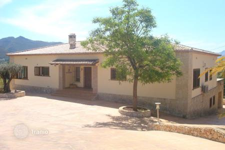 Property for sale in Jalón. Villa of 5 bedrooms with private pool with open views over the valley in Jalón/ Xaló