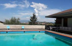Luxury property for sale in Arezzo. Charming house with a swimming pool in Arezzo, Tuscany, Italy