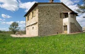 Houses with pools for sale in Monticiano. Stone two-storey villa in Monticiano, Tuscany, Italy