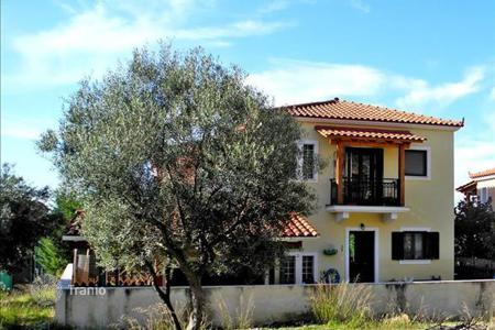 Property for sale in Trikala. 2-storey cottage in central Greece
