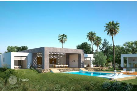 Luxury 4 bedroom houses for sale in Andalusia. Villa for sale in Monte Mayor, Benahavis