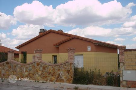 Cheap 4 bedroom houses for sale in Loranca de Tajuña. Villa - Loranca de Tajuña, Castille La Mancha, Spain