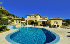 Villas and houses to rent in Sainte-Maxime. Villa Maxime