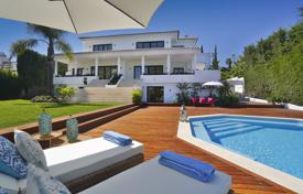 Luxury 6 bedroom houses for sale in Costa del Sol. Impressive Modern Frontline Golf Villa, Los Naranjos Golf, Nueva Andalucía