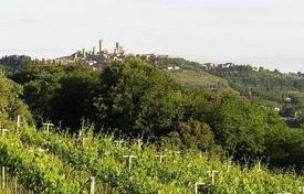 5 bedroom houses for sale in Siena. Ancient villa with vineyards in San Gimignano, Tuscany, Italy
