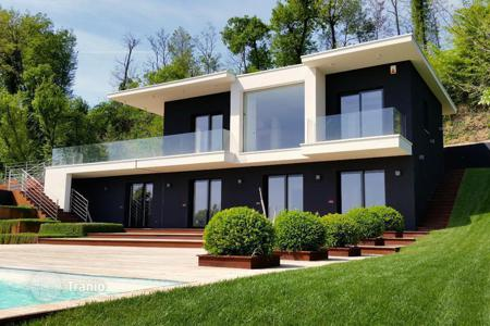 Luxury houses for sale in Lake Garda. Villa – Padenghe sul Garda, Lombardy, Italy