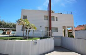 4 bedroom houses for sale in Valencia. Orihuela Costa, La Zenia. Luxury villa of 400 m² built with plot of 940 m²