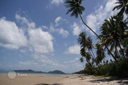 Land for sale in Southeast Asia. Land on the beach in Bang Kao
