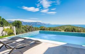 Houses with pools for sale in Kotor. Villa – Krimovica, Kotor, Montenegro