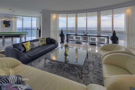 3 bedroom apartments for sale in North America. Penthouse overlooking the ocean in Sunny Isles Beach