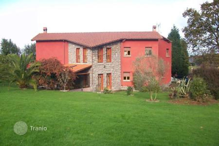 Residential for sale in Asturias. Villa – Gijón, Asturias, Spain