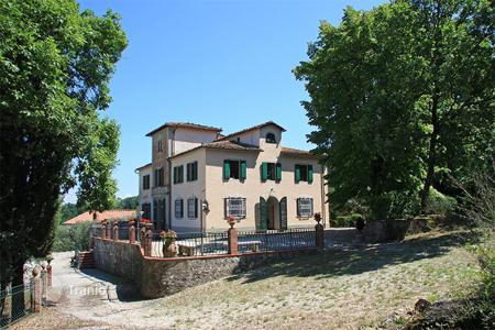 Residential for sale in Serravalle Pistoiese. Luxury 'Villa Benedetta'for sale in Tuscany-Located in the beautiful Pistoia countryside and only a few kilometres away from Florence
