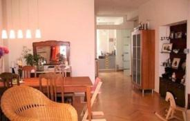 3 bedroom apartments for sale in Germany. Apartment with balconies, in a restored ancient residence, in Munich, Germany