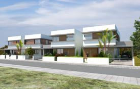 Modern design linked detached houses close to the sea in Livadia, deeds guaranteed for 360,000 €