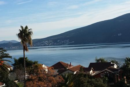 1 bedroom apartments by the sea for sale in Herceg-Novi. Apartment of ​​67 m², in a new complex in Djenovici, the Bay of Kotor, in a quiet, green location, 80 meters from the sea