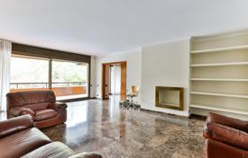 Apartments with pools for sale in Barcelona. Apartment with two terraces in a residence with a pool, a tennis court and a concierge, in the district of Pedralbes, Barcelona, Spain
