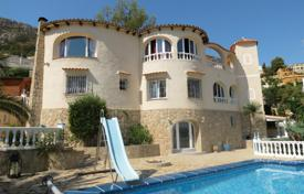 6 bedroom houses for sale in Calpe. Villa of 6 bedrooms with pool terrace and bbq area in Calpe