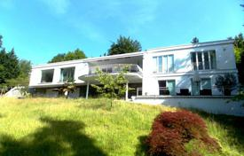 Beautiful house with a park, a swimming pool and a garage in a prestigious area, near the city center, Baden-Baden, Germany for 2,100,000 €