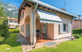 3 bedroom houses for sale in Lierna. New three-storey house with a garden, a parking and a picturesque lake view, Lierna, Italy