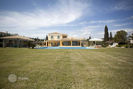 Luxury houses with pools for sale in Peloponnese. Luxury villa with private access to the sandy beach in the Peloponnese