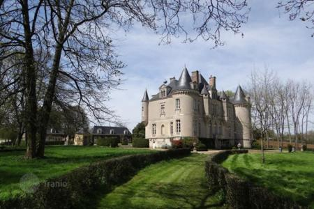 Luxury chateaux for sale in France. Castle – Le Mans, Pays de la Loire, France