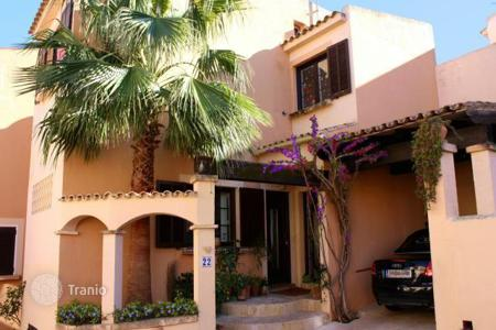 Residential for sale in Calvia. Cozy terraced villa in Santa Ponsa, Majorca, Balearic Islands, Spain