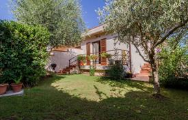 3 bedroom houses for sale in Tuscany. Renovated cottage with a sea view, a garden and a parking in the resort town of Pozzarello, Monte Argentario, Tuscany