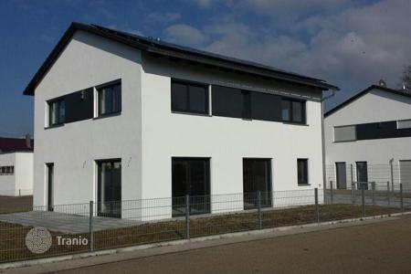 3 bedroom houses for sale in Germany. New house with a garage in Münchsmünster