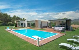 Luxury property for sale in Saint-Raphaël. Close to Cannes — Charming contemporary villa