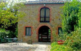 2 bedroom houses for sale in Tuscany. Cozy stone villa with a pool, Trequanda, Tuscany, Italy
