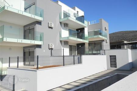 Residential for sale in Selca. Apartments with sea view in a new building with a swimming pool in Selce, Croatia