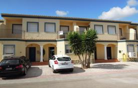 Cheap townhouses for sale in Spain. Terraced house – Denia, Valencia, Spain