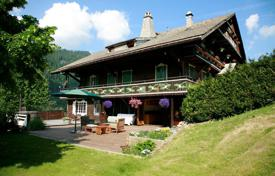 Property for sale in Chatel. Traditional Alpine chalet with a fireplace and a sauna, close to the center of the ski resort, Chatel, France