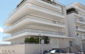 Property for sale in Portugal. Marina apartments with communal pool, parking and lift