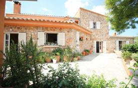 4 bedroom houses for sale in Majorca (Mallorca). Cozy cottage with a private garden, a terrace and a parking, Calvia, Spain