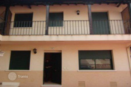 Cheap residential for sale in Chinchón. Apartment – Chinchón, Madrid, Spain