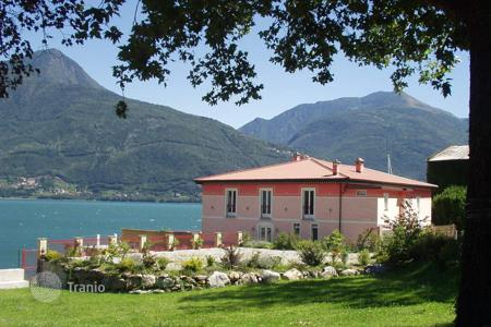Villas and houses to rent in Lombardy. Villa – Pianello del Lario, Lombardy, Italy