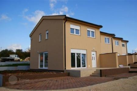 Houses for sale in Buje. House