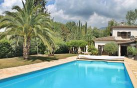 Coastal property for sale in La Colle-sur-Loup. Close to Saint-Paul de Vence - Character clad villa