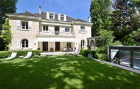 Luxury 6 bedroom houses for sale in Neuilly-sur-Seine. Neuilly-sur-Seine — In the heart of the exclusive Saint James area