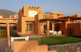 2 bedroom houses for sale in Tenerife. Villa – Adeje, Canary Islands, Spain