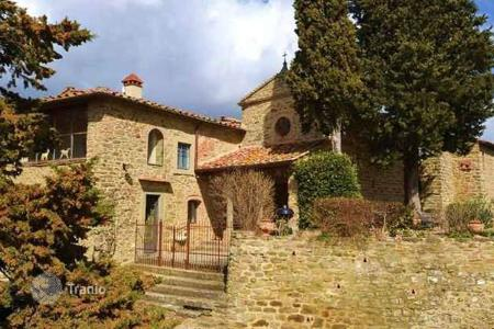 Residential for sale in Greve in Chianti. Villa – Greve in Chianti, Tuscany, Italy
